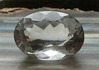 OVAL Bergkristall (22,7 x 16,0 mm) 23,82 ct