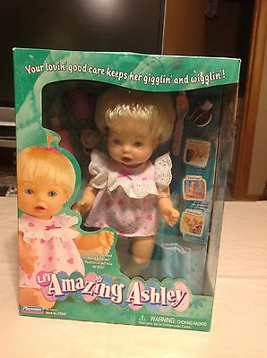 NEW RETRO Amazing Ashley doll with accessories