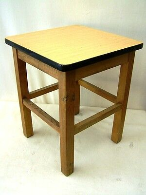 Old Wood Hocker, Vintage Retro Design Iconic Stuhl, Wooden Stool Kitchen