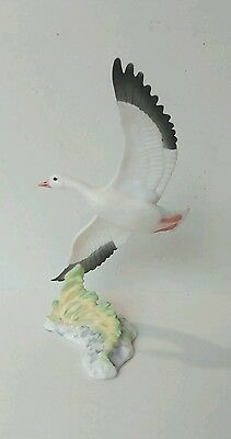 Maruri Signature collection by W.D. Gaither  Snow Bird  Porcelain  Figurin 1985