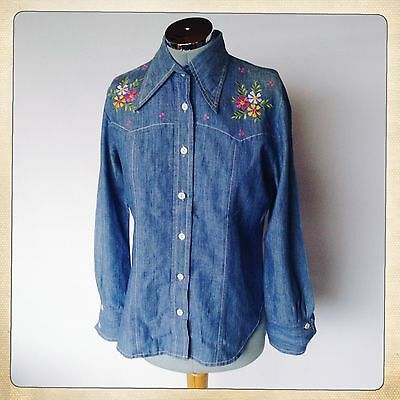 S10/12 1970s VINTAGE Floral Embroidered Demin Look Dagger Collar Shirt