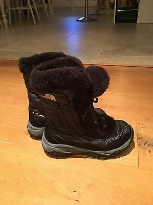 Girls North Face Snow Boots, Black, Size 1