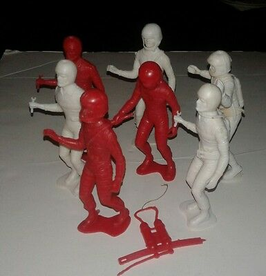 """LOT OF 7 Red and White PLASTIC SPACE MEN ASTRONAUTS 1960'S 5 1/4"""" TALL SPACEMAN"""