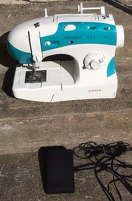 SINGER MODEL 6038C SEWING MACHINE with FOOT PEDAL