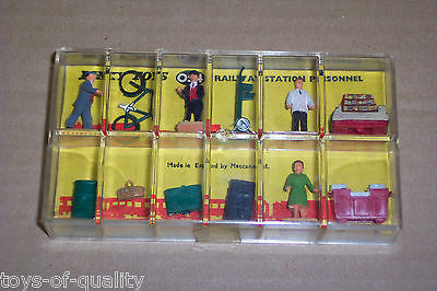 Hornby Dublo Dinky Toys 054 Railway Station Personnel Very Good, Boxed Condition