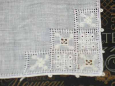 Antique VTG 17 pc set Hand Embroidery Napkins~Placemats~Runner