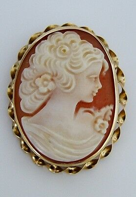 Beautiful Vintage 9ct Gold Cameo Brooch