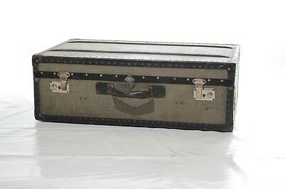 Beautiful age Trunk, Travel cases 1950s Jahre, Iconic Design Vintage Suitcase