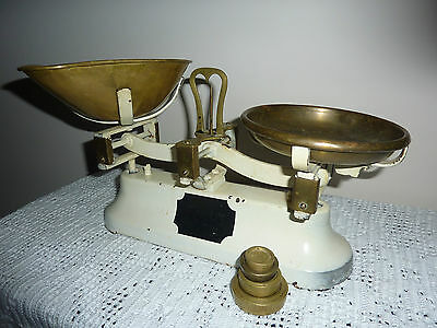 Vintage Kitchen Scales Brass and Cream with 8,4,2 & 1 oz weights