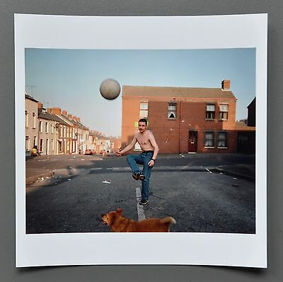 Donovan Wylie Magnum Archival Photo Print Belfast Irland 1999 Ball Soccer Signed