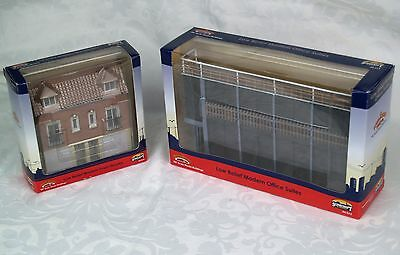 Job Lot of Bachmann SCENECRAFT Low Relief Buildings 44-213 and 44-218