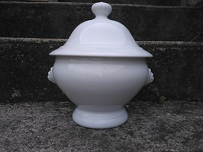 GRANDE SOUPIERE BLANCHE Sté CHAUVIGNY FRANCE VEGETABLE COVERED TUREEN    CHIC