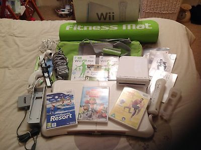Nintendo Wii Sports Resort Pack 512MB White Console (PAL)