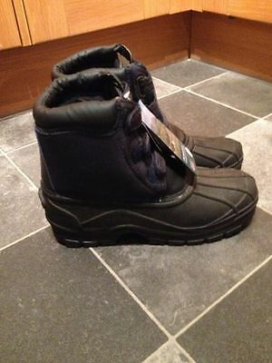 town and country charnwood boots Size 10