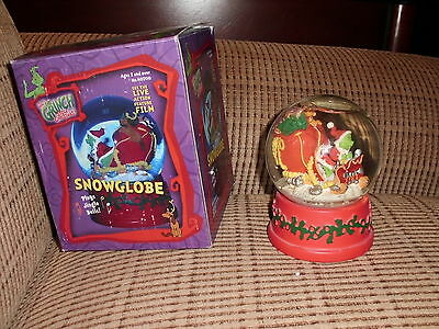 Dr. Seuss How The Grinch Stole Christmas with Max Snow Globe