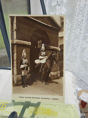 Black & White Postcard (Rp) Horse Guards Sentries-Whitehall-London- Unposted