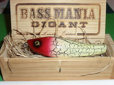 S975 VINTAGE BASS MANIA GIGANT Accel FISHING LURE IN WOOD BOX COLLECTIBLE