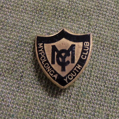 #d290.  Mypolonga  Youth Club  Lapel  Badge