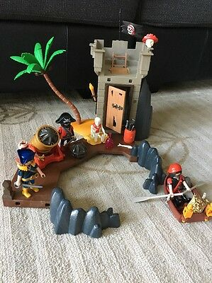Playmobil 5622 Pirates Hideout With cannon