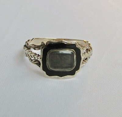Old antique Victorian gold enamel mourning ring size N 1/2
