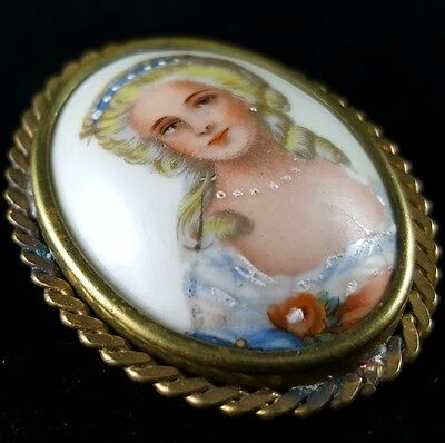 Signed LIMOGES FRANCE PORCELAIN Antique Brooch Pin Cameo Painted Woman N36
