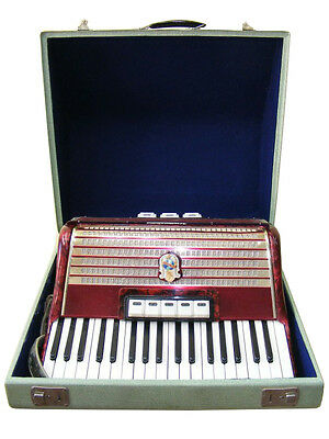 Nice old Accordion WORLD CHAMPION 96 Bass, red, in the Transport Suitcase + Case