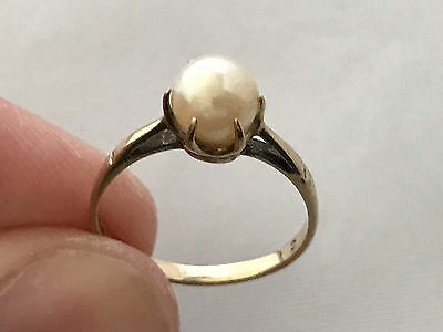 9ct Gold Cultured Pearl Ring. UK Size: K
