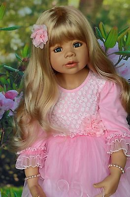 """Masterpiece Dolls Coco Blonde Wig, Fits Up To 19"""" Head"""