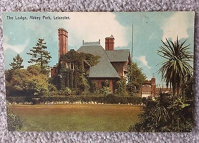 OLD POSTCARD -  THE LODGE, ABBEY PARK, LEICESTER - Unposted Is
