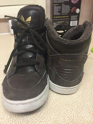 Boys Brown Suede Leather Adidas Hi Tops Baseball Boots Size 1.5