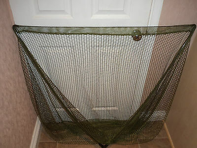 """A New  50"""" Carp Fishing Landing Net.in Black With Spreader Block"""
