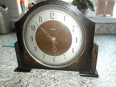 Smiths wind up antique mantal clock, Made in England