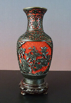20.Jhd 20thC chinesische Lackvase/chinese Lacquer Vase + Stand - Carved, Relief