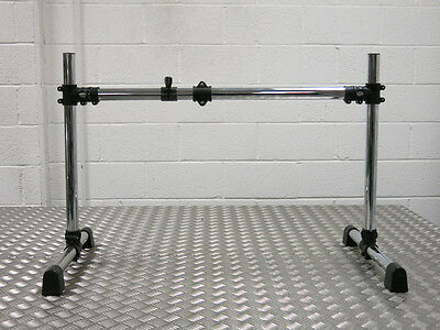 Miscellaneous Rack With 2 Clamps