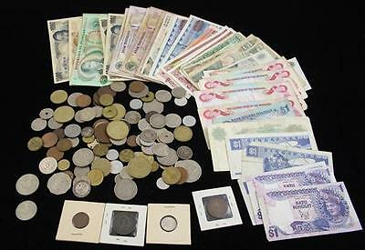 LOT FOREIGN CURRENCY AND COINS INCLUDING MEXICO, CANADA, AND PHILLIPINES Lot 634