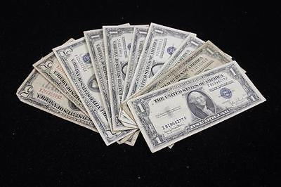 LOT U.S. CURRENCY INCLUDING 2 SERIES 1928 FIVE DOLLAR RED SEAL NOTES,... Lot 470