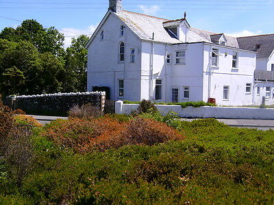 Large freehold Cornwal former farm  house , 10 bedrooms ,  now vacant