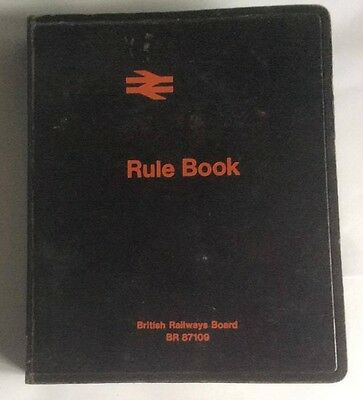 British Rail RULE BOOK BR 87109 (with unused updated pages)