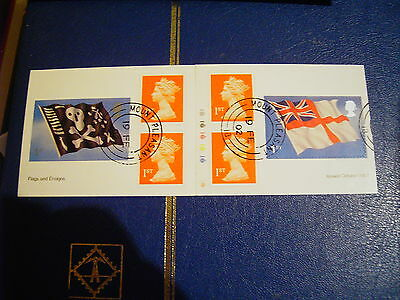 GB BOOKLET 2001 FLAGS AND ENSIGNS SG PM4 with CYLINDER Q1
