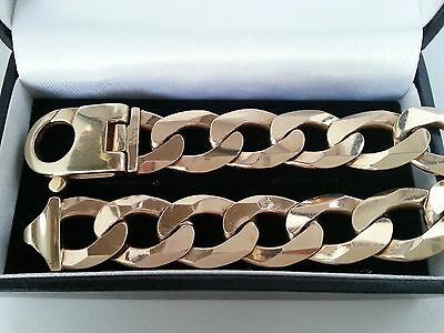 Superb, Mens Heavy 9ct Yellow Gold Curb Bracelet.