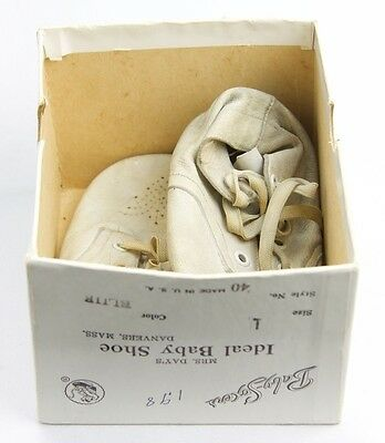 Mrs. Day's Ideal Baby Shoe Danvers Mass. White Leather Size 1 U.S.A. Box Vintage