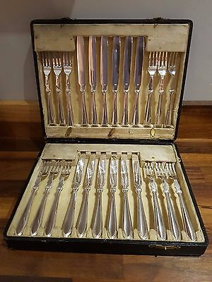 Silver Plated Early 20th Century 24 Piece Boxed Fish Eaters