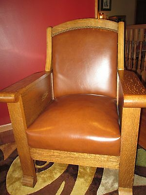 Matching Pair of Vintage/Antique Quartersawn Oak Mr. & Mrs. Chairs