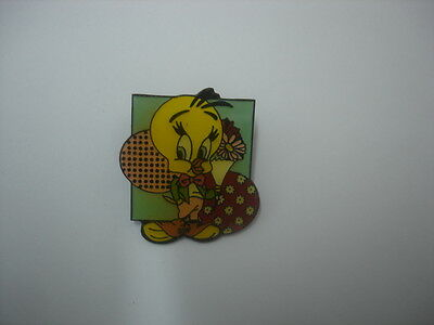 New Looney Tunes Tweety Bird badge lapel hat pin birthday party gift #2