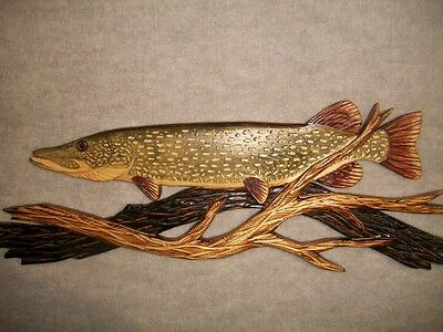 Hand Carved NORTHERN PIKE Wood Wall Art Carving Chainsaw fish jack jackfish