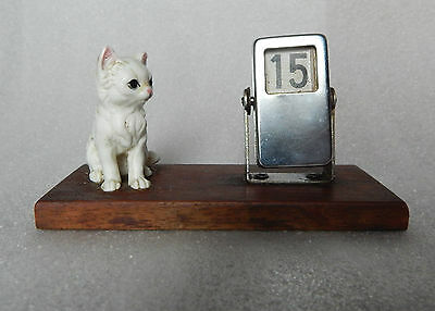 vintage desktop Cat Calender Retro Kitsch 1950's/60's