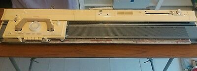 Brother knitting machine - Model KH-836 (Table Included)