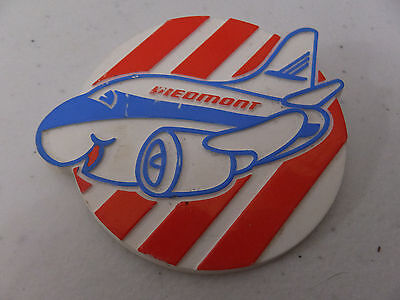 Piedmont Airlines Child's Flying Airplane Vintage Advertising Button Pin Logo