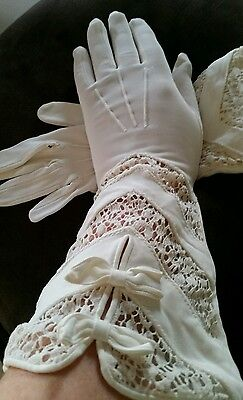 "Vintage Glamour Opera  Gloves 13"" long Cream  w Lace Bows Size S"