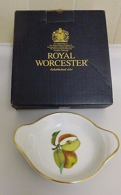 """New Royal Worcester Evesham Gold Small Round Eared Entree Dish 55/8"""" Apple Boxed"""